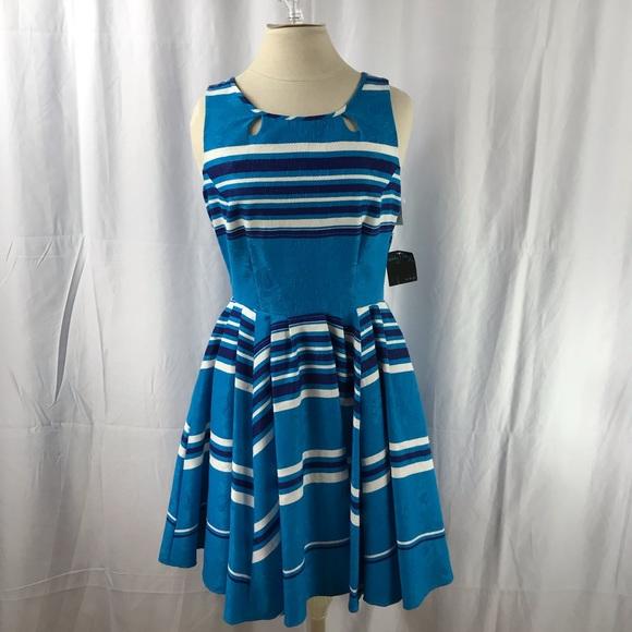 Gabby Skye Dresses & Skirts - Gabby Skye Blue Dress sz 8